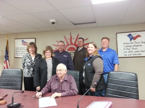 Levelland Mayor Signs Proclamation in recognition of National Ag Appreciation Day.